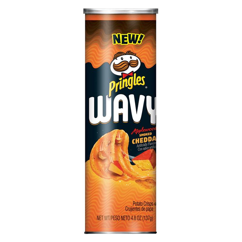 Pringles Wavy Applewood Smoked Cheddar (Копчёный сыр) 137 г
